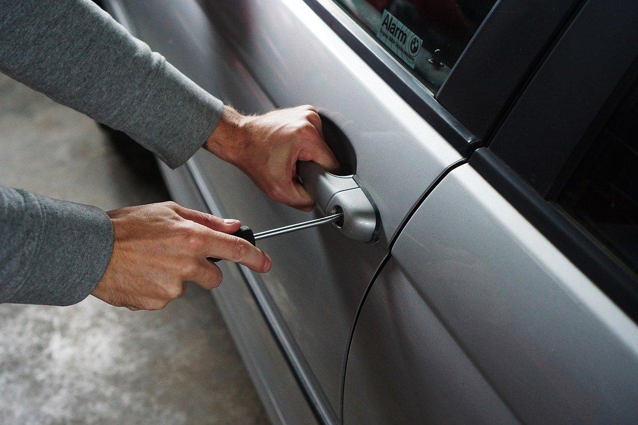 Jak chránit auto před krádeží?