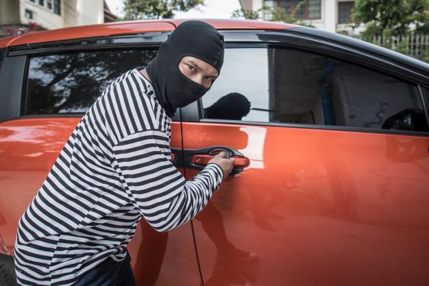 Neobvyklá ochrana vozu postavte se zlodějům!